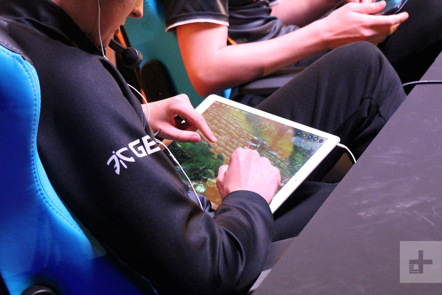 your smartphone is the key to future of esports vainglory 12