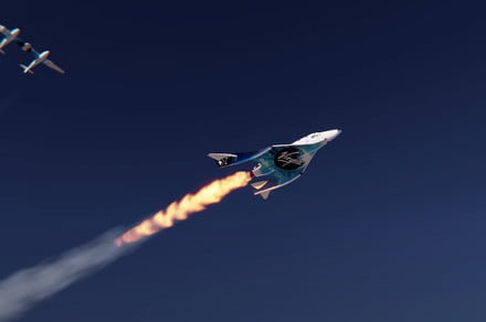 Virgin Galactic video showcases its pricey space tourism service
