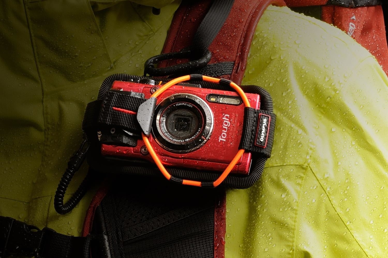 olympus tg 4 is first rugged compact to shoot uncompressed raw photos waterfall trecking tg4 2