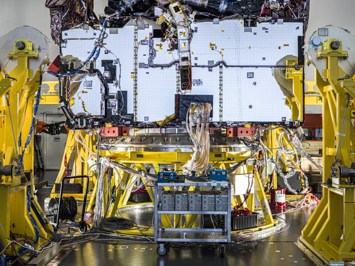 During its final full systems test, technicians powered on all of the James Webb Space Telescope's various electrical components installed on the observatory, and cycled through their planned operations to ensure each was functioning, and communicating with each other.