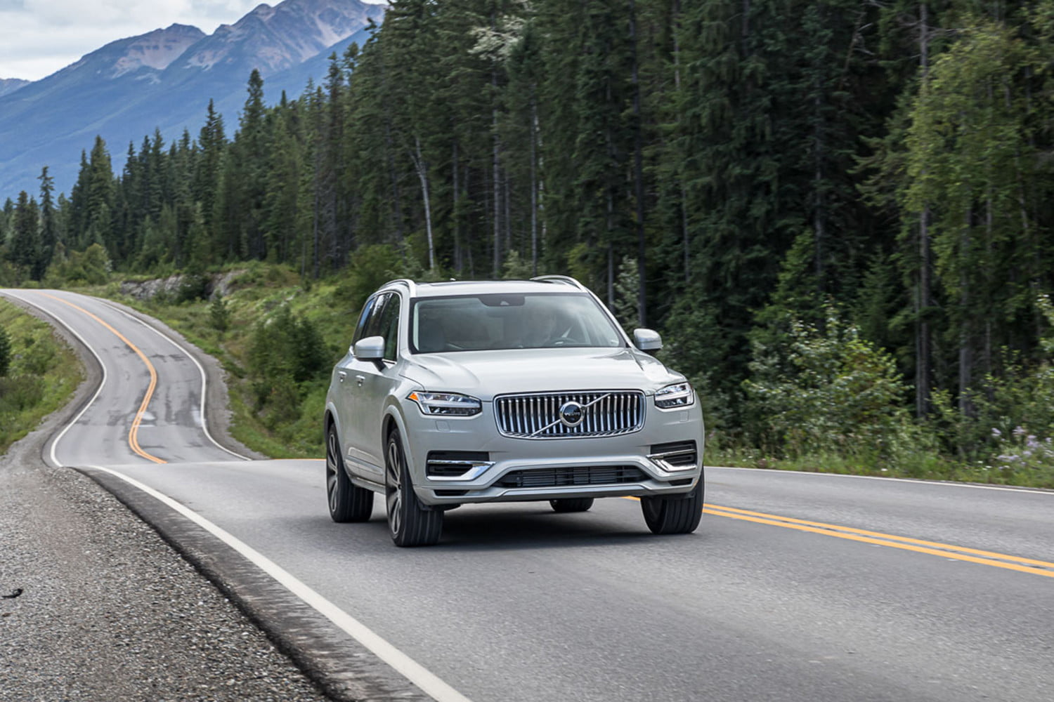 changes and updates volvo is making in its 2020 lineup xc90 0175