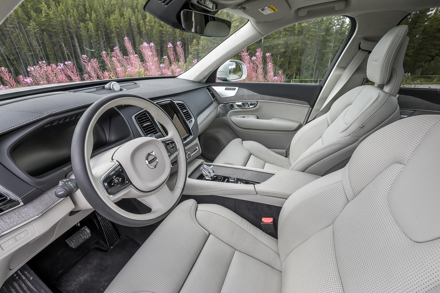 changes and updates volvo is making in its 2020 lineup xc90 0712