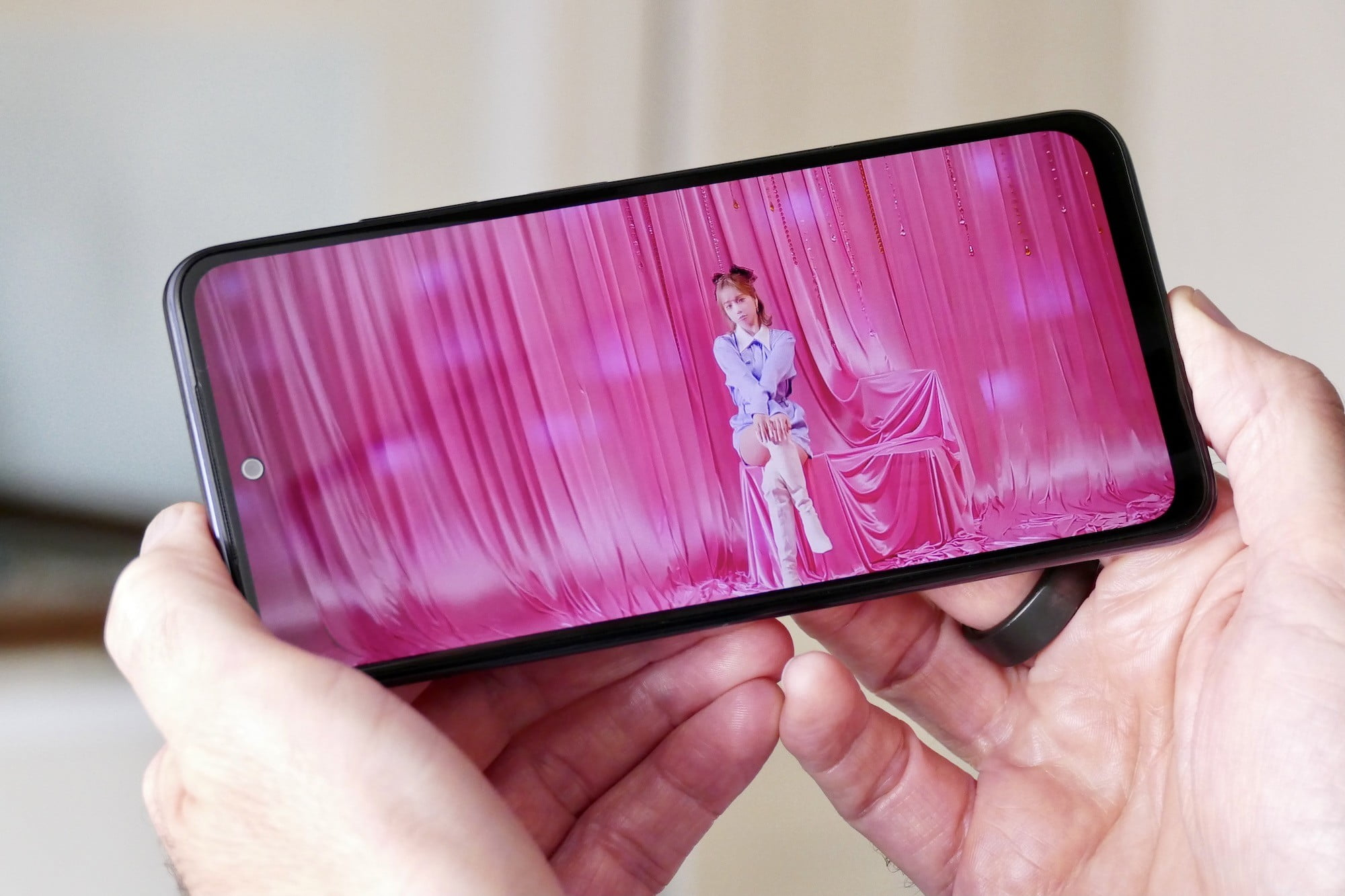 Video playing on the Xiaomi Redmi Note 10S.