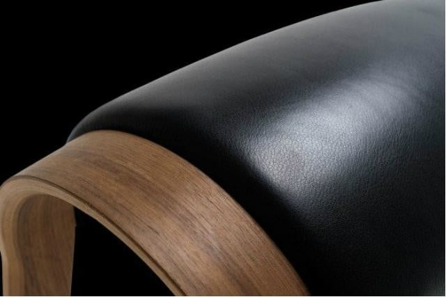 the zami smart stool improves your posture close